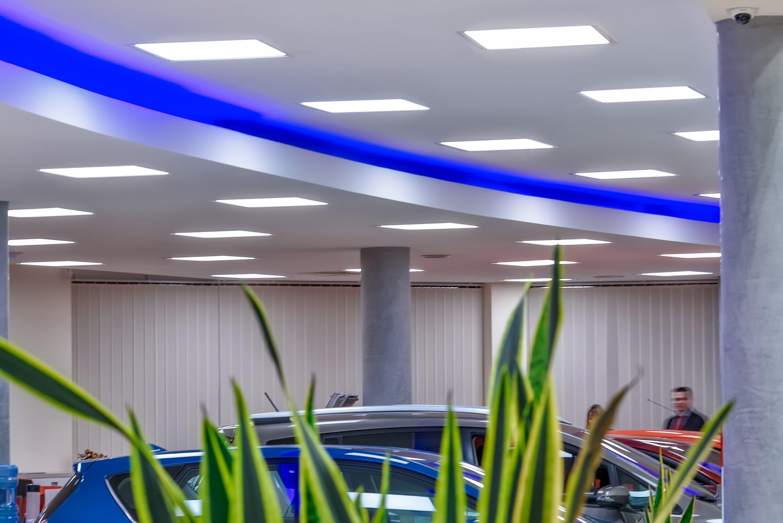 modernizacja salonu Toyota