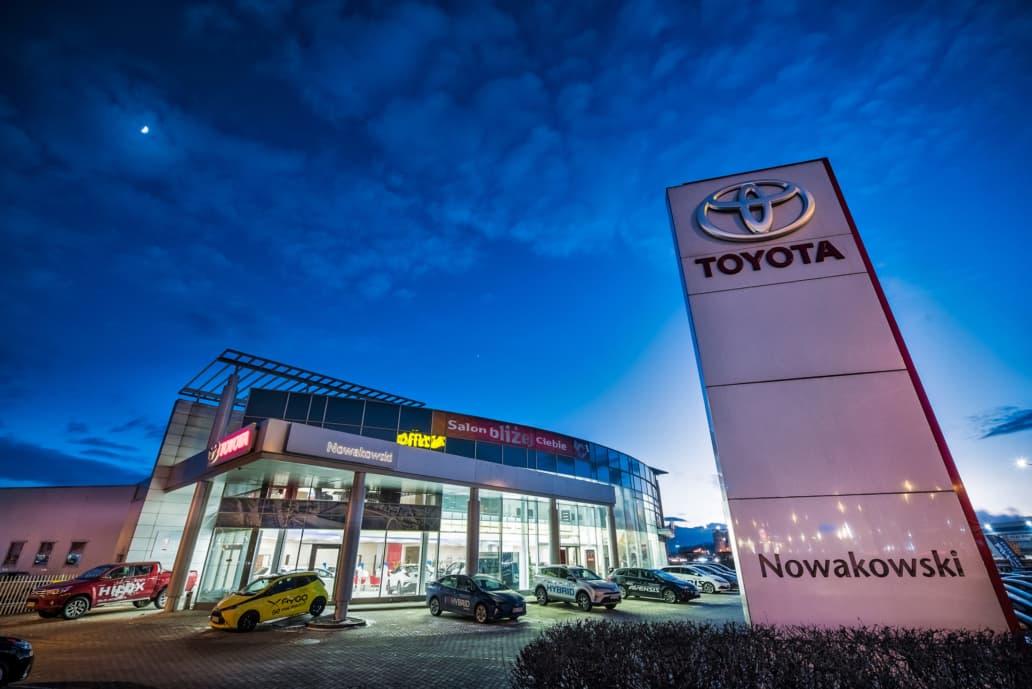 budynek salonu Toyota