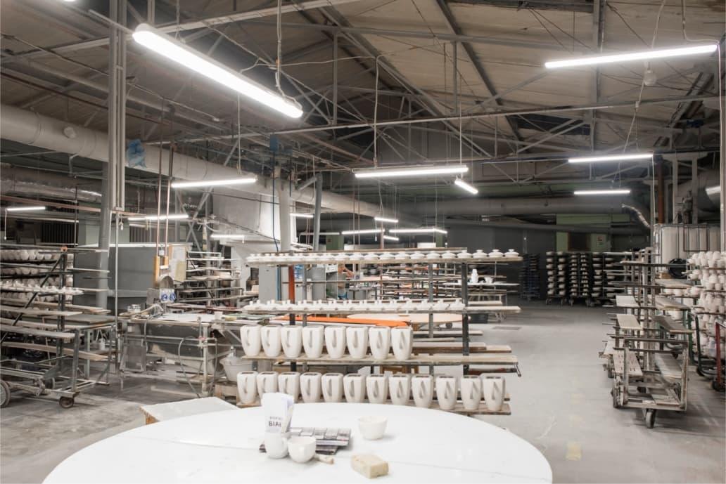 Oprawy Industrial w wytwórni porcelany