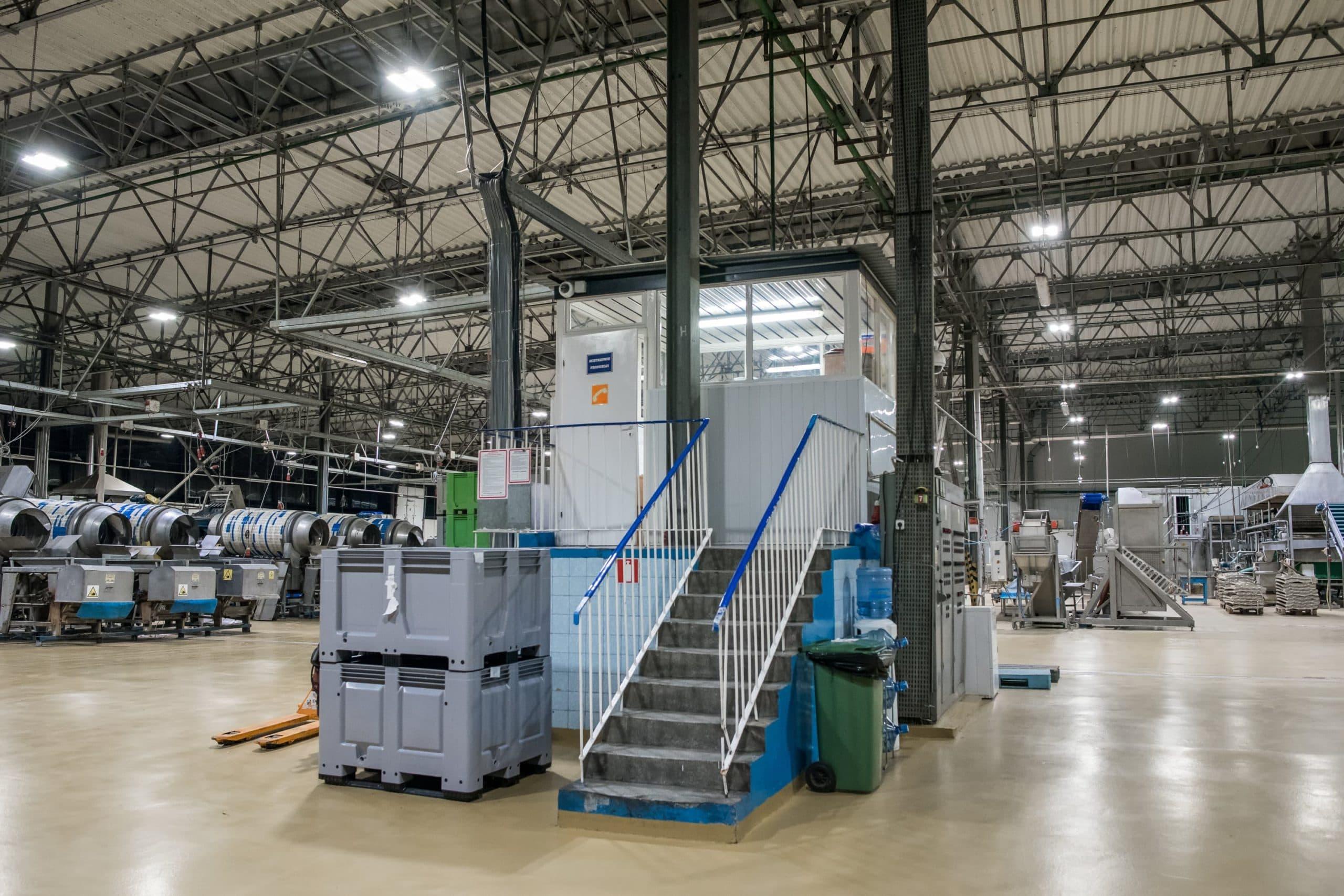 Zmodernizowana hala produkcyjna firmy Hortex - Luxon LED