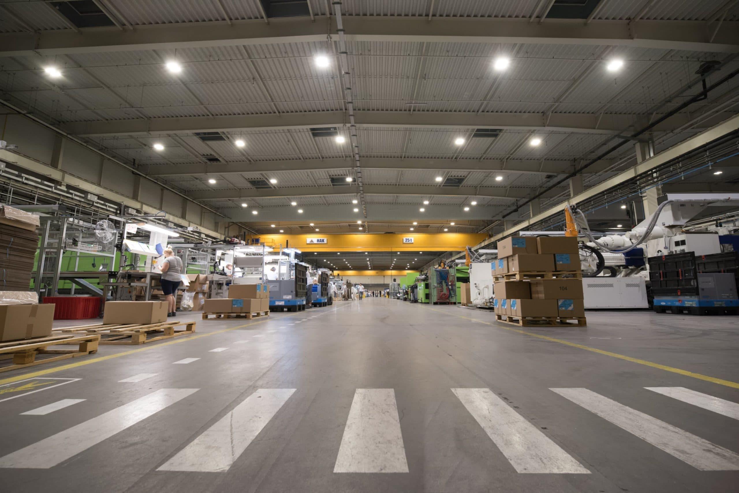 Oprawy Highbay w zakłądzie firmy Industrias Alegre - Luxon LED