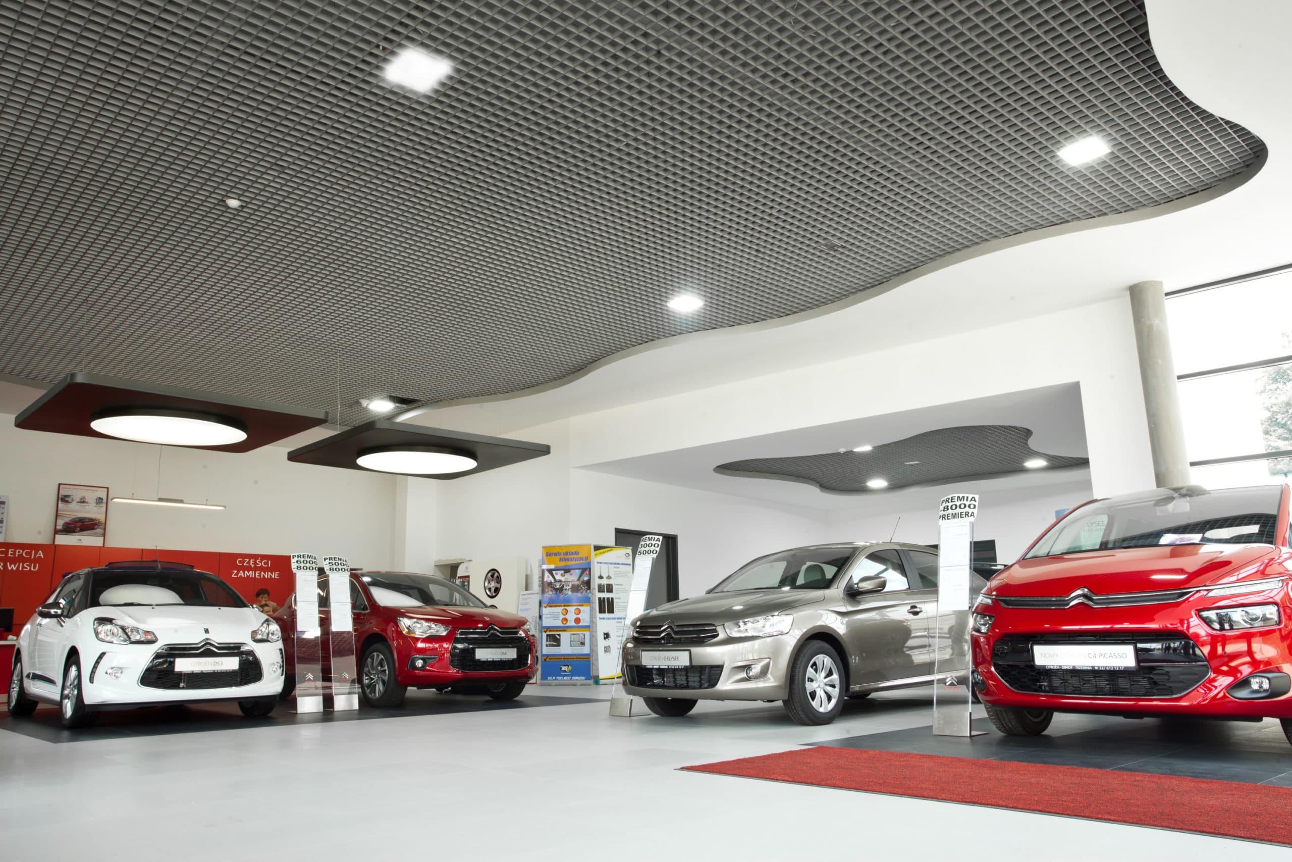 Nowoczesne oświetlenie salonu samochodowego