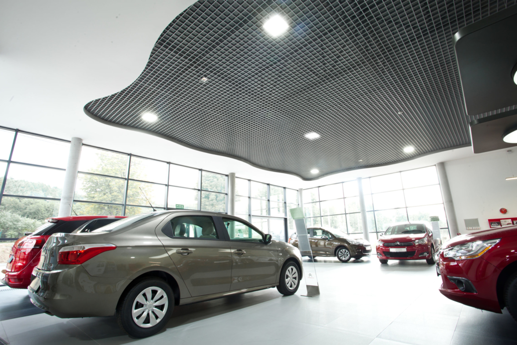Oświetlenie handlowe LED w salonie sprzedaży aut Citroen - Luxon LED