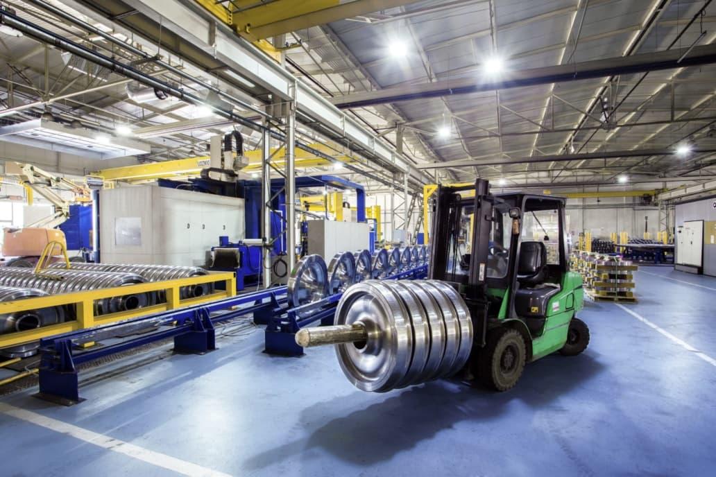 oprawy Highbay w części przemysłowej firmy Lucchini