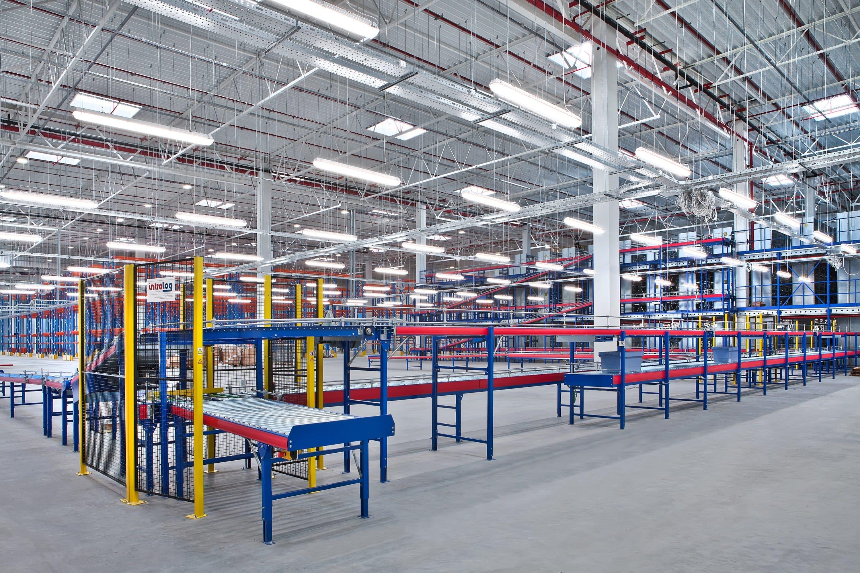 Oprawy przemysłowe Industrial w magazynie firmy Komputronik - Luxon LED