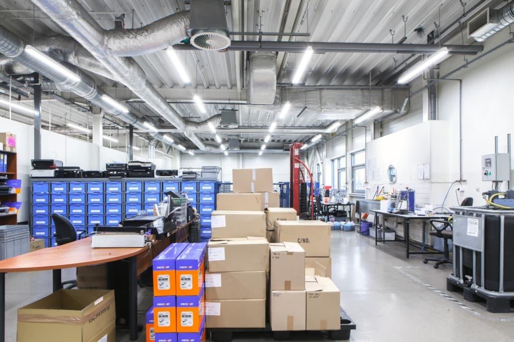 Oświetlenie przemysłowe Industrial w zakładzie produkcyjnym firmy Pryzmat - Luxon LED