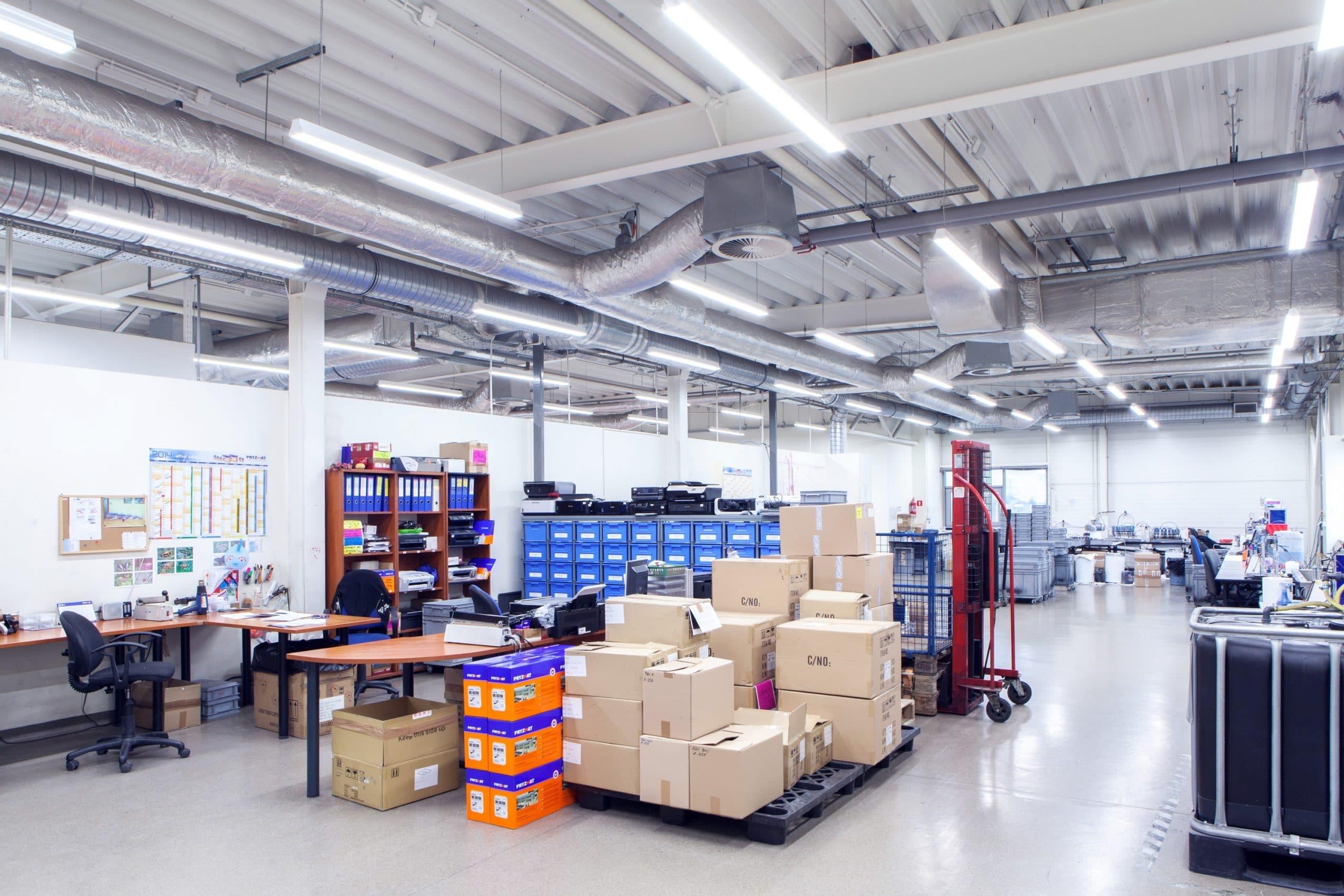 Oprawa przemysłowa Industrial w hali produkcyjnej firmy Pryzmat - Luxon LED