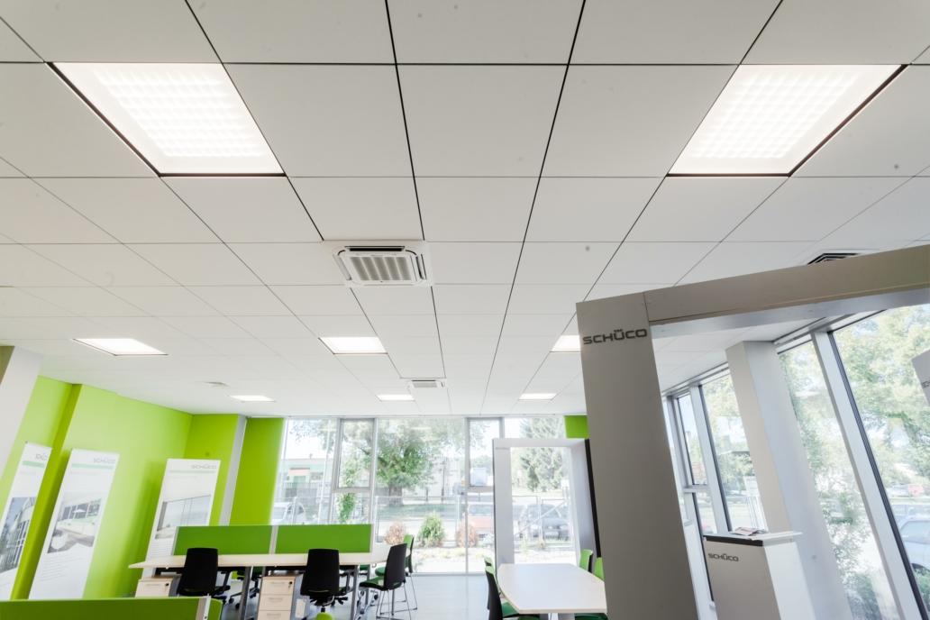 oświetlenie podtynkowe w części biurowej