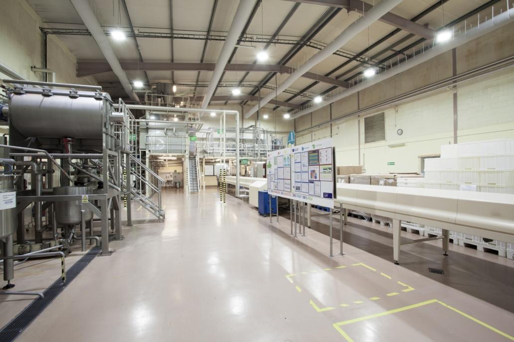 Oprawy przemysłowe Highbay w realizacji dla producenta w branży spożywczej - Luxon LED