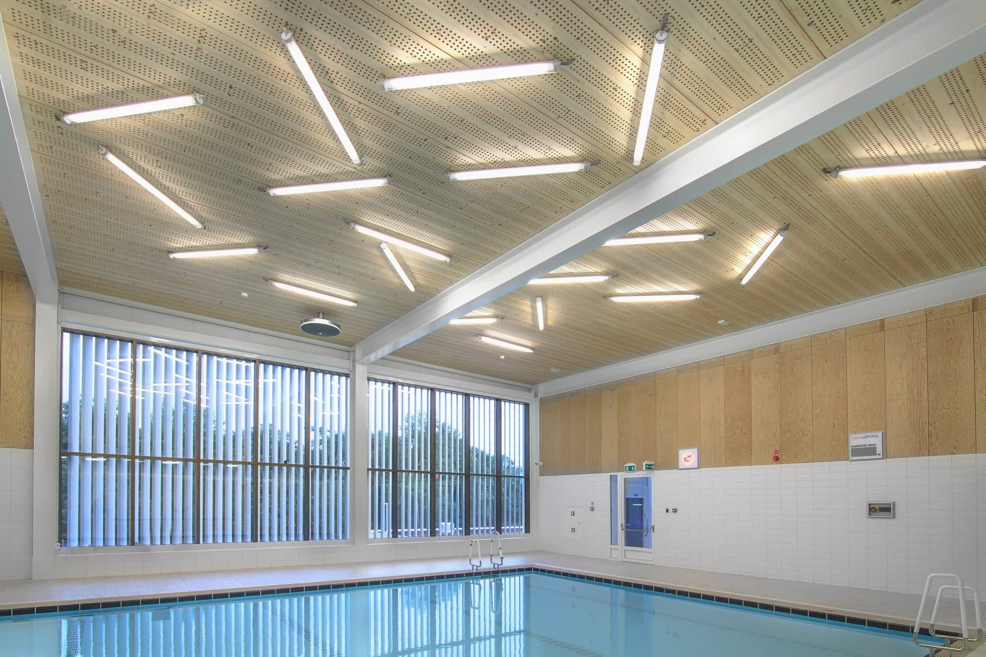 oświetlenie LED w części basenu Centrum Ślęza