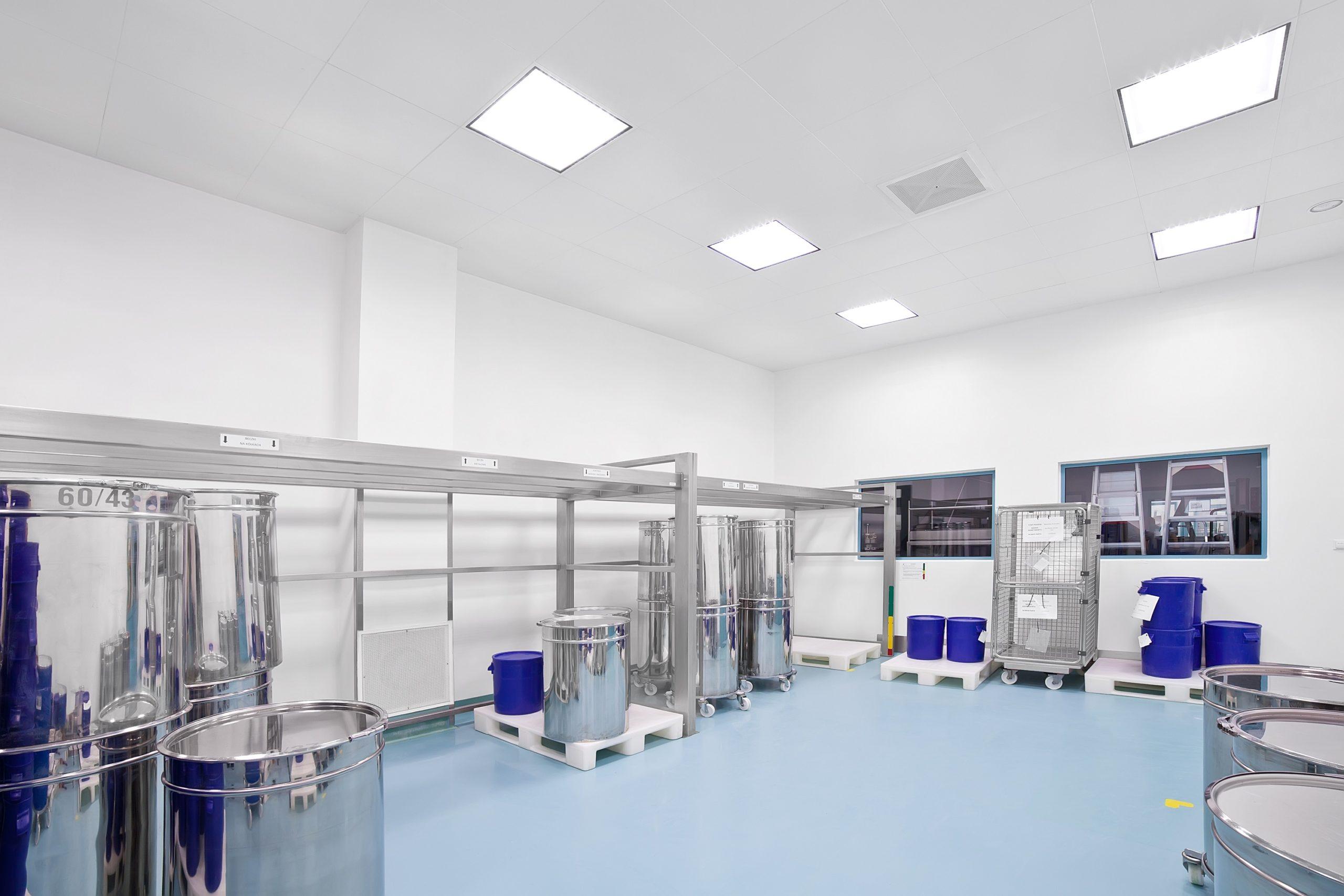 Oprawy Smart LED Clean u producenta leków US Pharmacia - Luxon