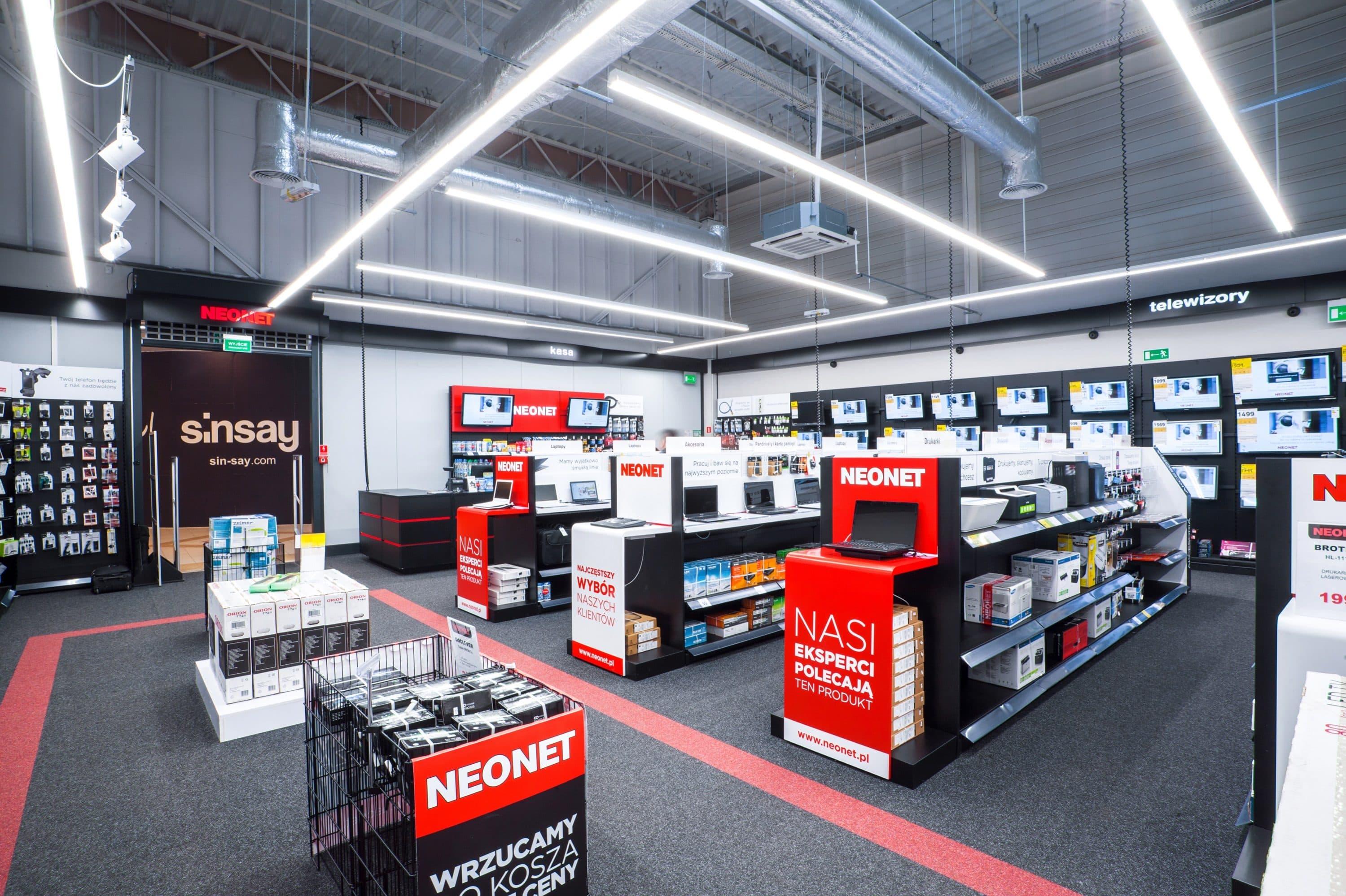 linie świetlne w sklepie Neonet