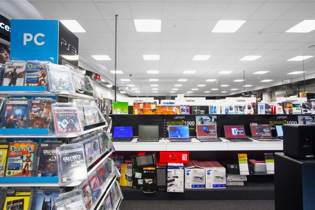 powierzchnia sklepu Neonet po modernizacji