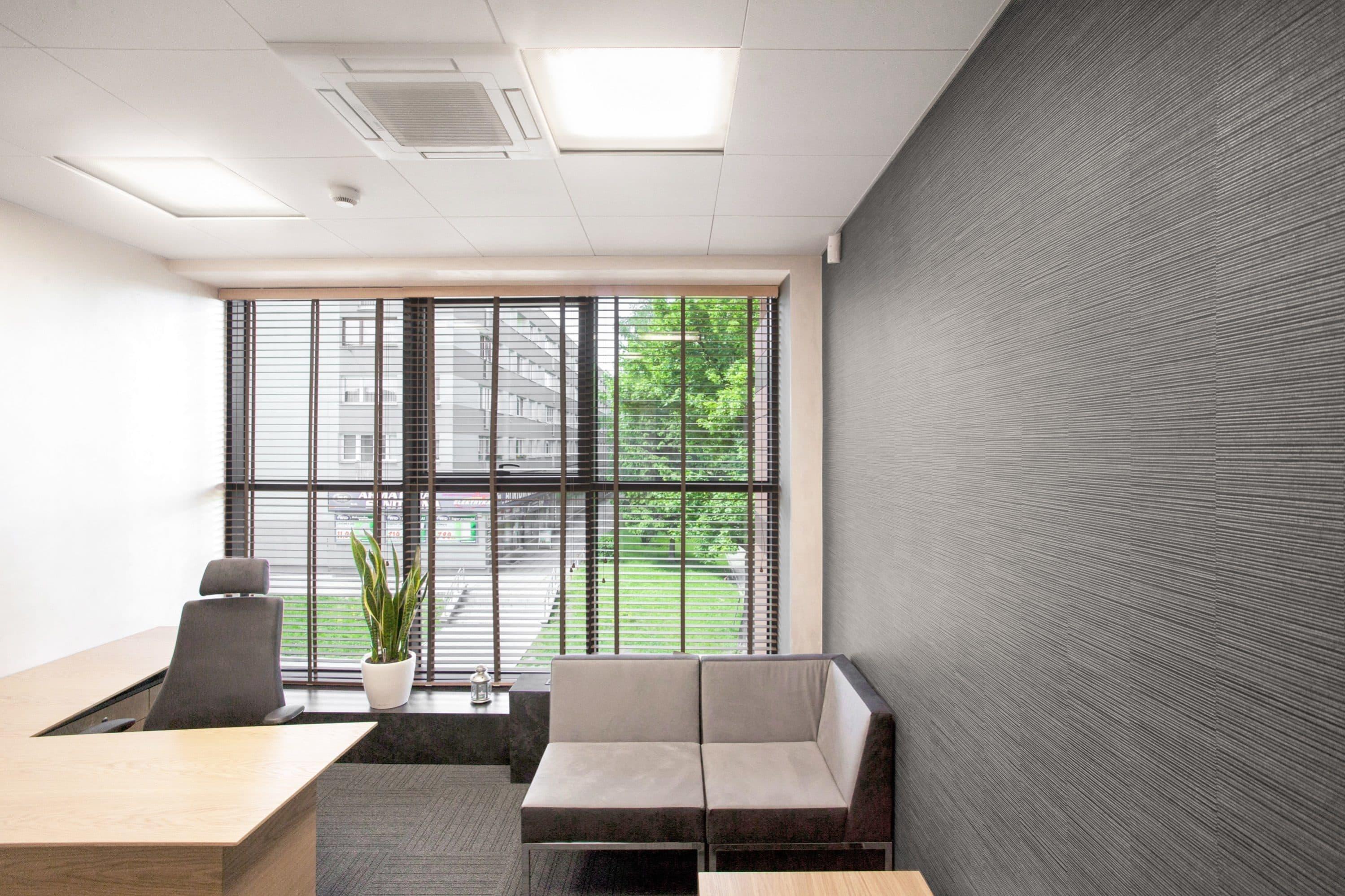 Oświetlenie podtynkowe Edge w banku Spółdzielczym w Oławie - Luxon LED