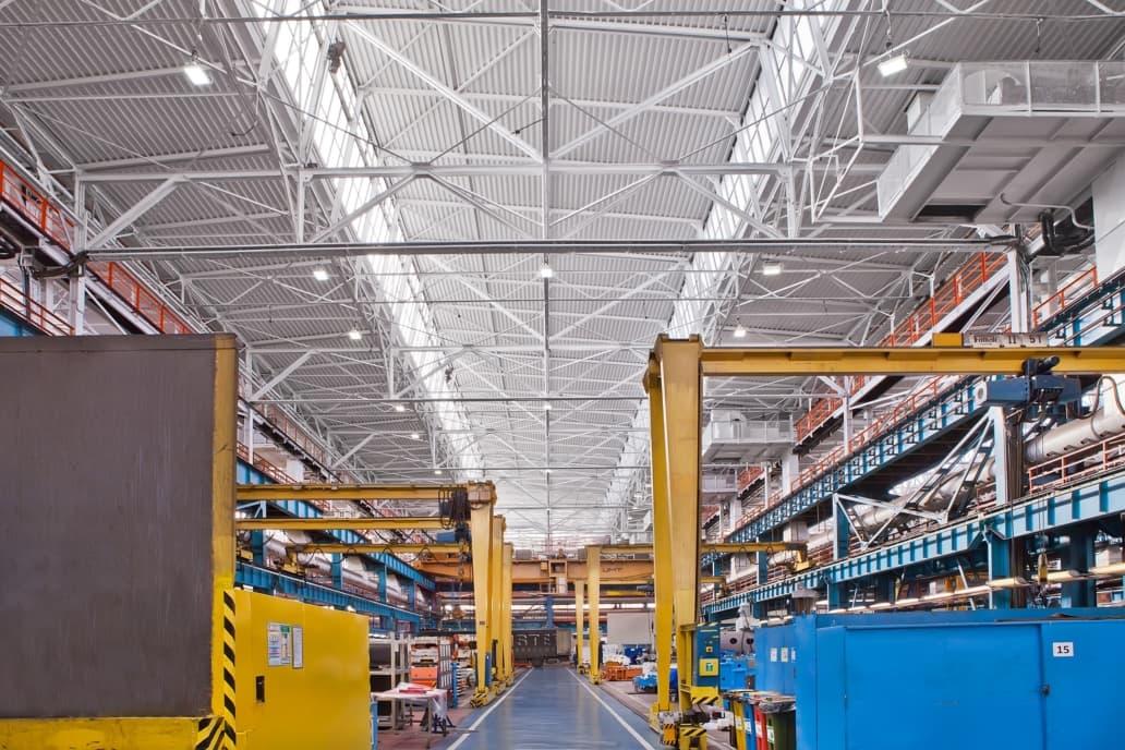 zmodernizowana hala firmy Fiat - Luxon LED