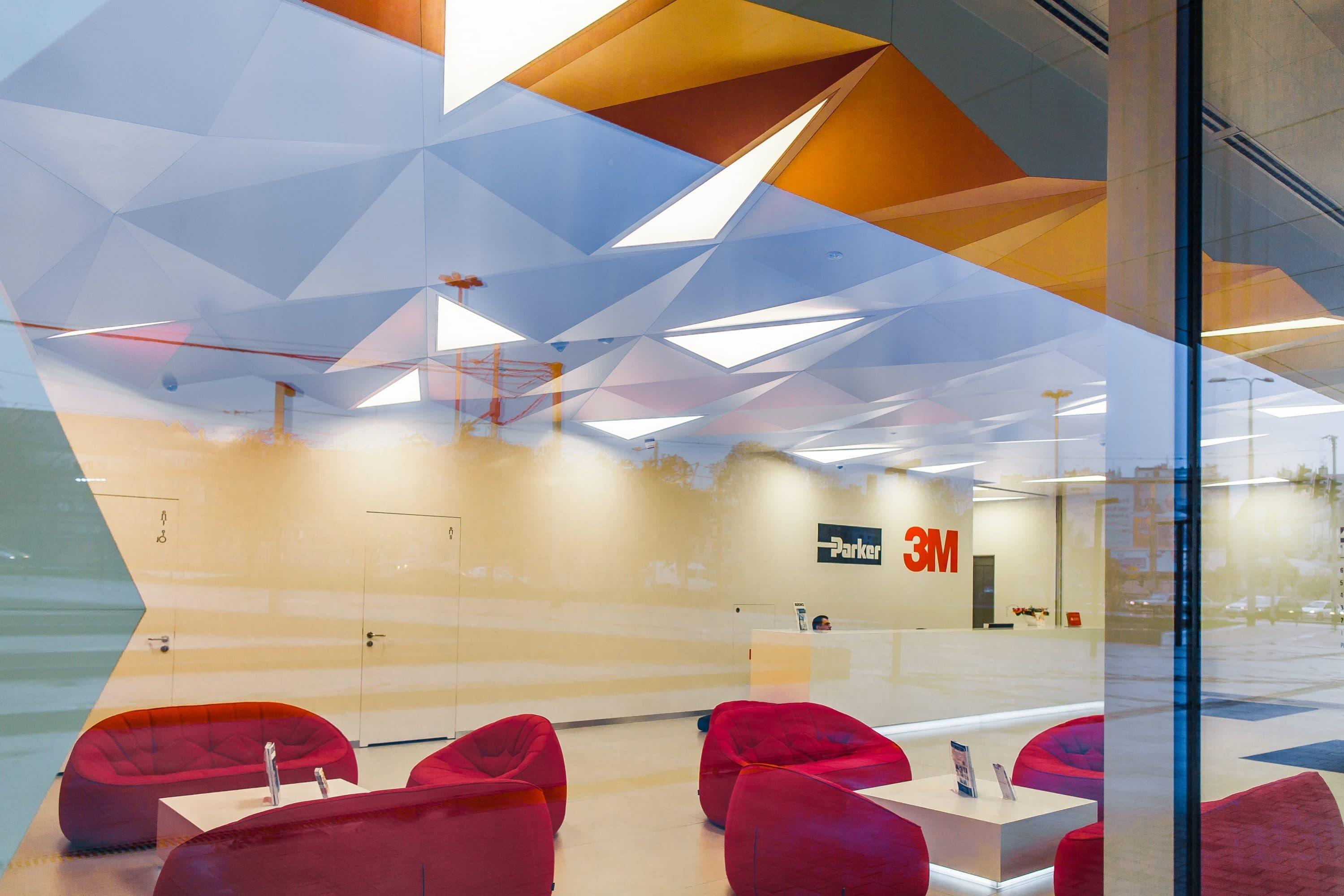Niestandardowe oprawy led w biurze 3M - Luxon LED