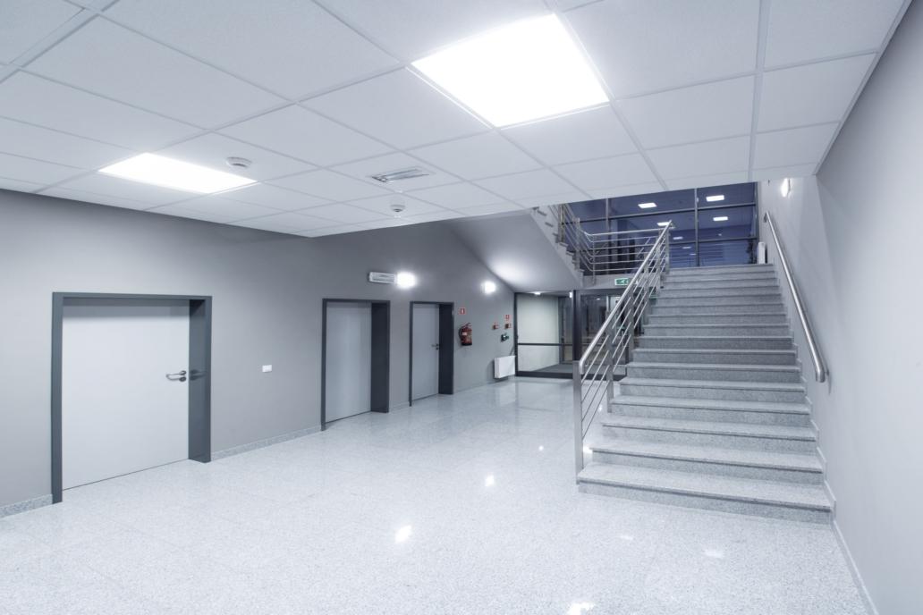 Oprawy biurowe Edge w budynku firmy Merida - Luxon LED