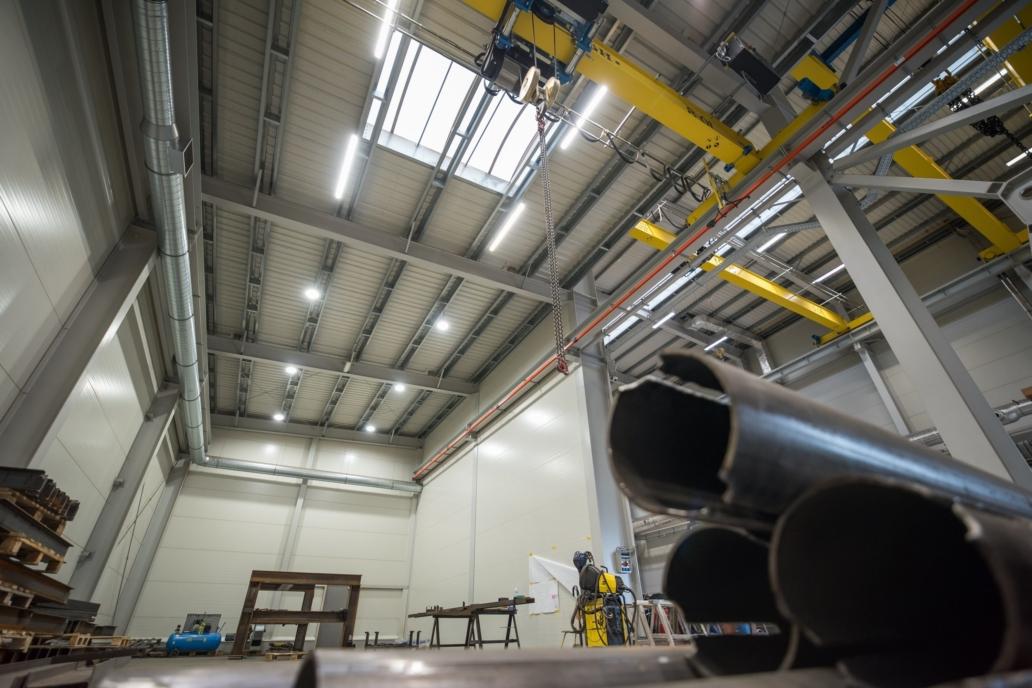 oprawy Industrial w hali firmy Buttimer