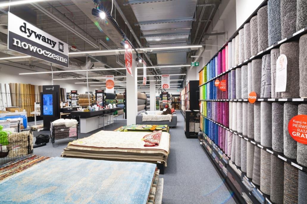 Linie świetlne Lumiline w zmodernizowanym sklepie Komfort - Luxon LED