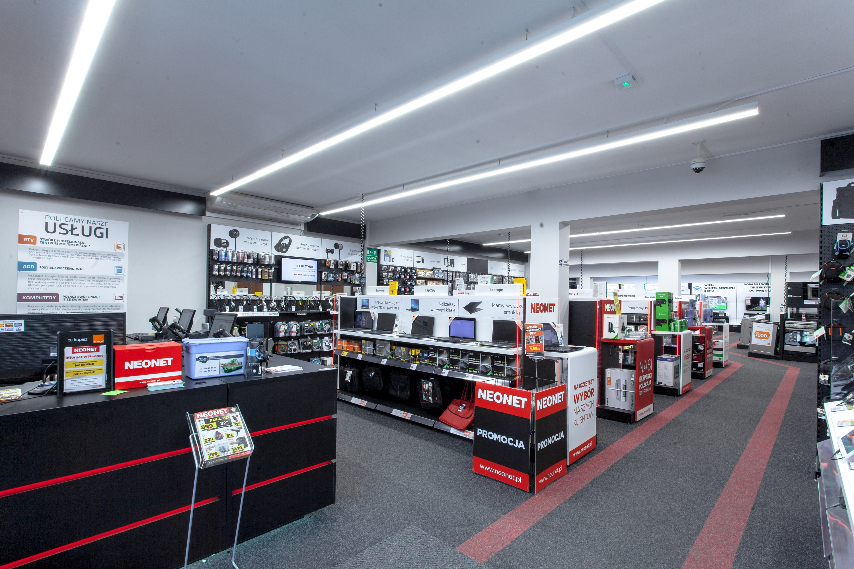 Linie świetlne LED w sklepie Neonet