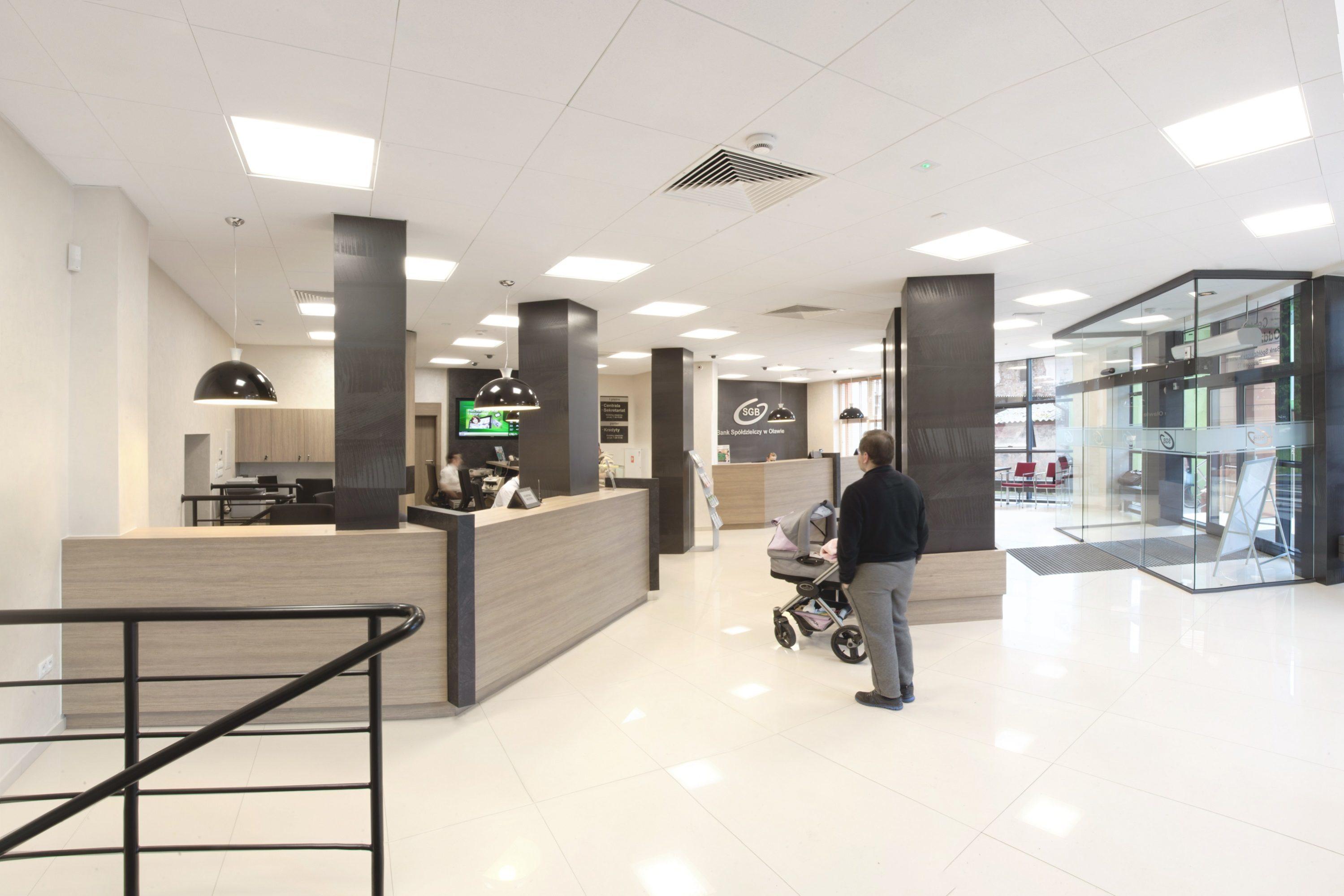 Oprawy Edge w oddziale Banku Spóldzielczego - Luxon LED