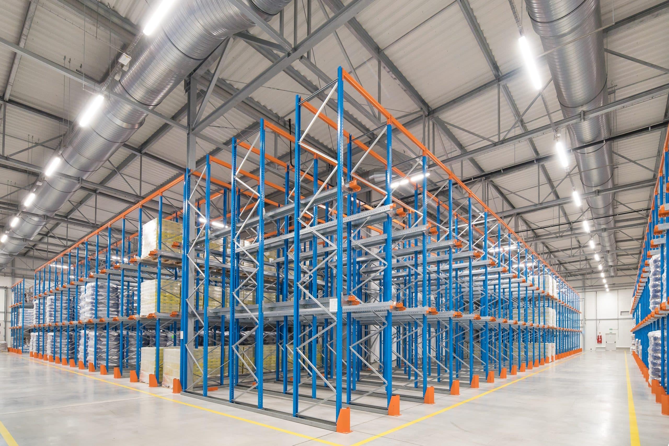 Oprawy Industrial w magazynie wysokiego składowania w Spółdzielni Mleczarskiej w Gostyniu - Luxon LED