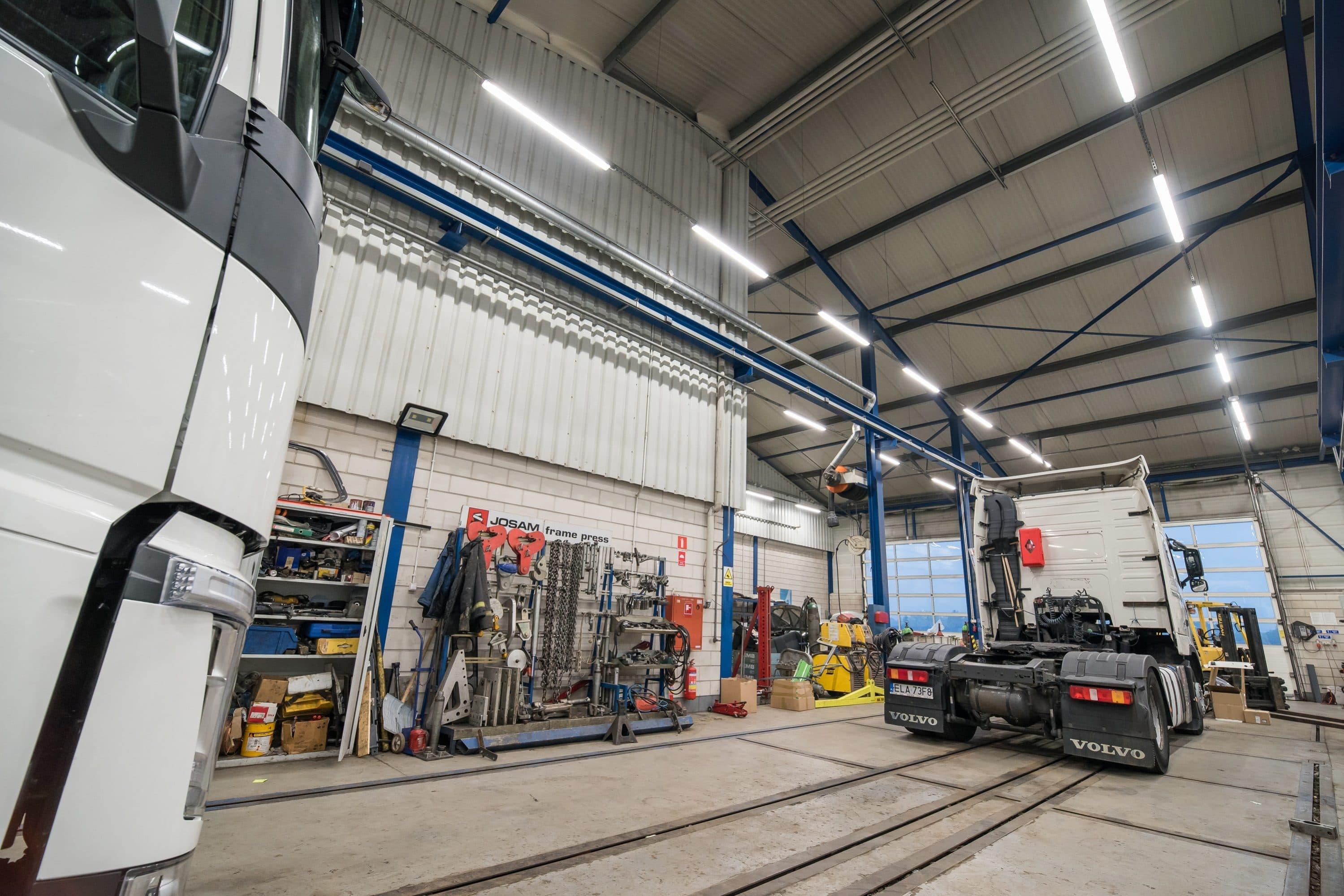 Volvo Trucks Oświetlenie Warsztatu Oświetleniem Led Luxon Led