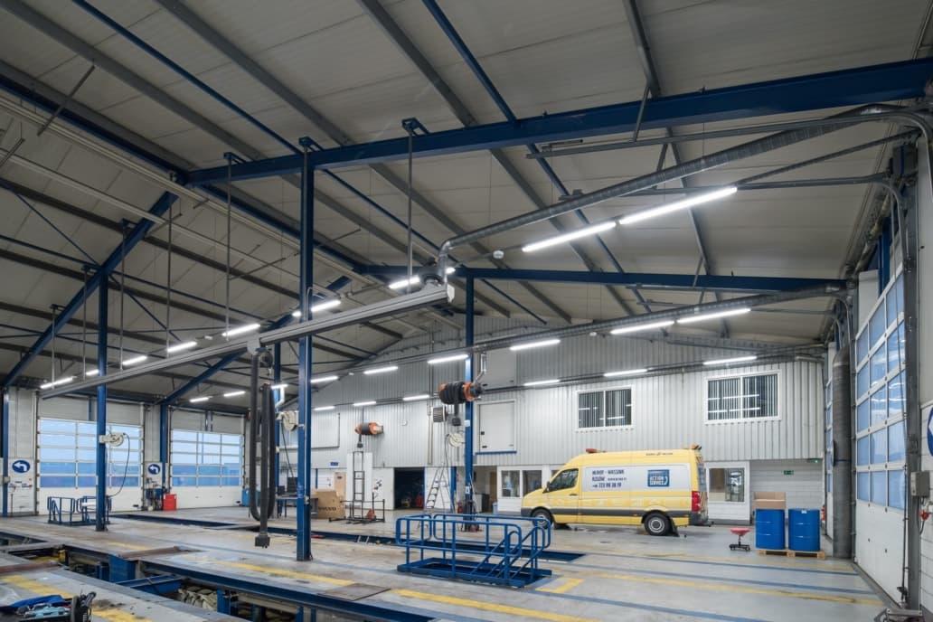 oświetlenie LED Industrial w serwisie firmy Volvo