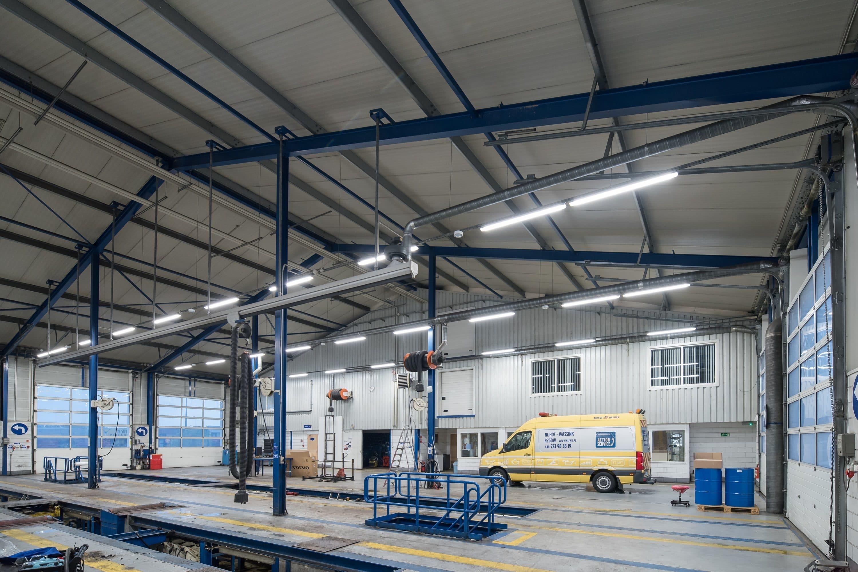 Oprawy Industrial w zakładzie firmy Volvo Trucks - Luxon LED