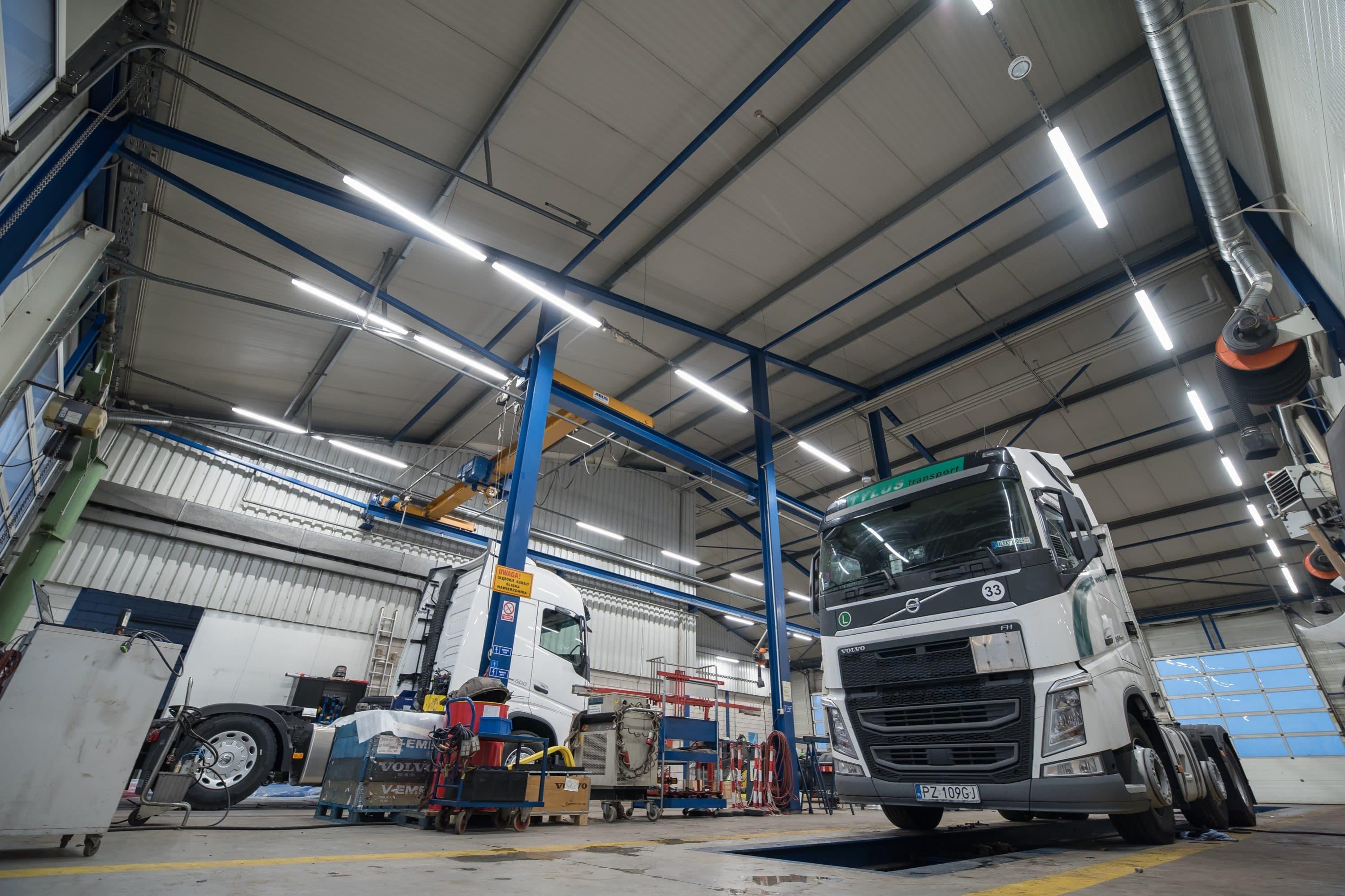 Oprawy Industrial w zmodernizowanym zakładzie samochodowym firmy Volvo - Luxon LED