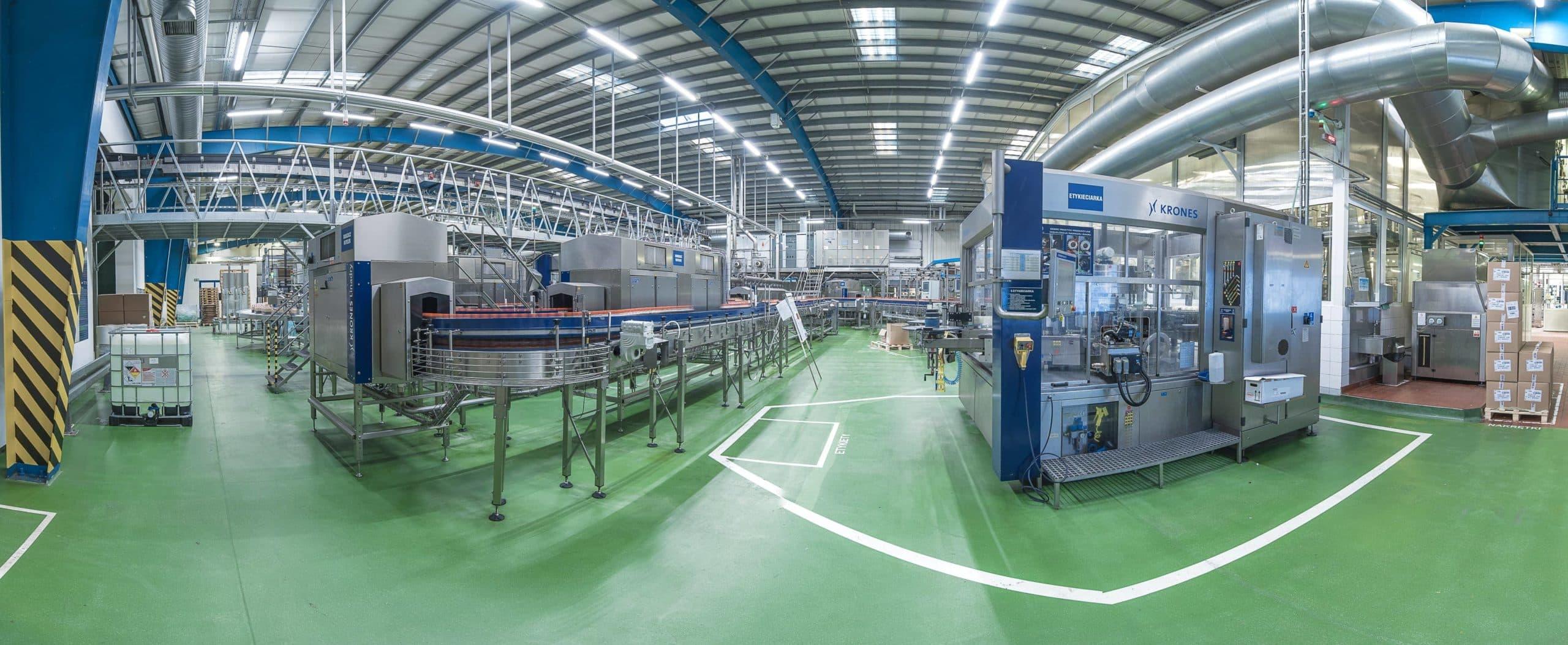 Oprawy przemysłowe Industrial w hali prosukcyjnej firmy PepsiCo - Luxon LED